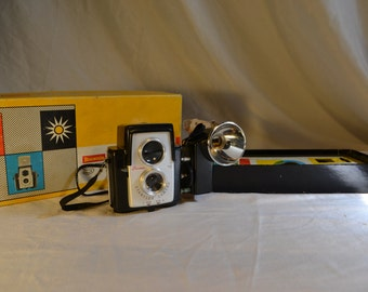 Vintage Brownie Starflex Camera Outfit with box.