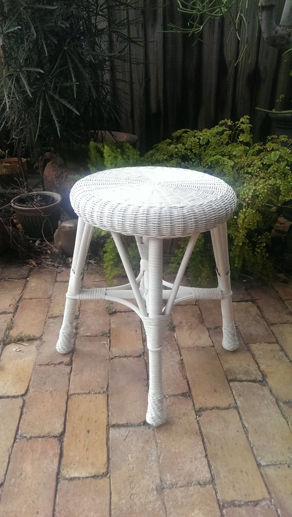 Cute White Wicker Vanity Stool Or Accent Table