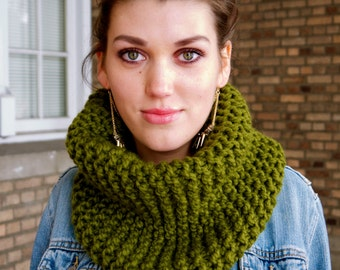 Sage Green Knitted Cowl -  Chunky Cowl - Infinity Loop - Scarf - Neckwarmer - Women - Teen Girls  Customize Your Order!