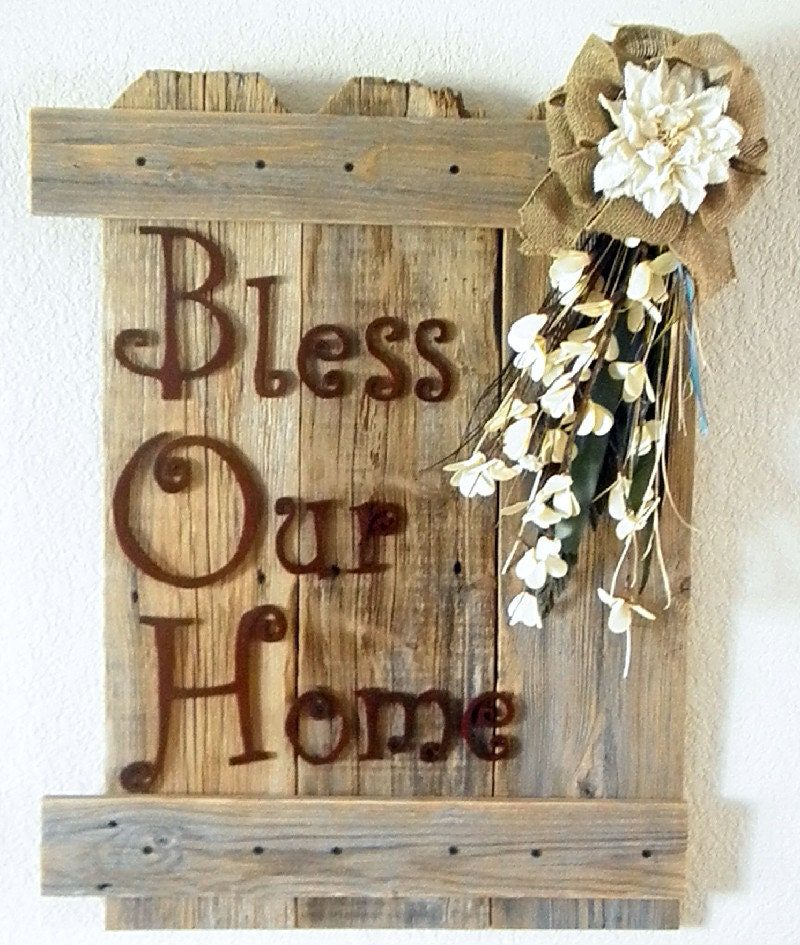 Rustic Burlap Wall Decor : Inspirational rustic wall decor with burlap and white accents