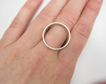 Ring 'show some skin'-round, sterling silver ring minimal ring minimalist, open signet ring - MADE TO ORDER