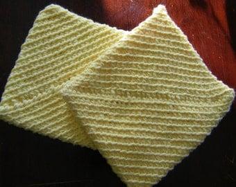 Yellow potholders / hot pads