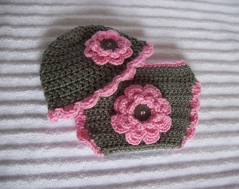 Baby Girl Diaper Cover Set in Pink and Grey, Crochet Diaper Cover Set, Diaper Cover and Hat Set, Newborn Diaper Cover