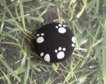 Black and white dog bone print fabric covered buttons (size 60, 40, 32, 20, or 18)