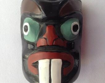 Totem Figurine from Canada Peint A La Main Pearlite