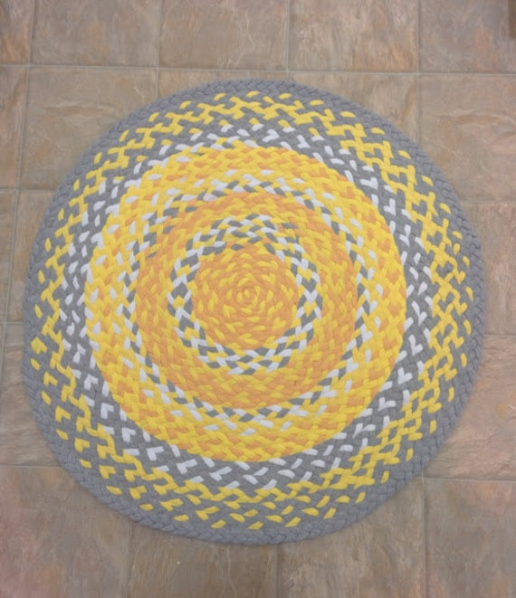 yellow grey white braided rug up cycled t shirt rug by likeiguana. Black Bedroom Furniture Sets. Home Design Ideas