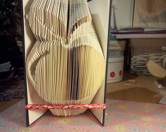 Book Folding Pattern for an Apple