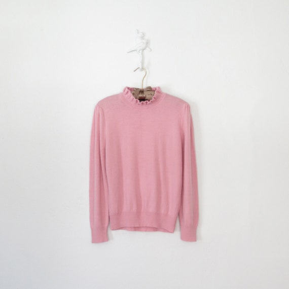 Vintage Sweater * Pastel Pink Pullover * Ruffle Collar * Medium