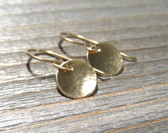 Gold Disc Earrings, Minimalist Jewelry, Circle Earrings, 14K Gold Filled Drops