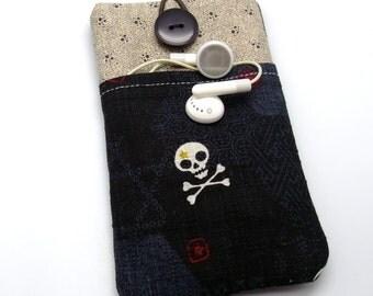 iPhone 6 sleeve/ iPhone 6s case / iPhone 6s bag - Skull