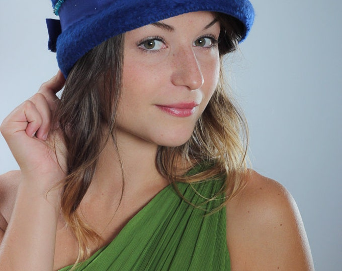 Vintage Blue Hat   Turban Toque Beehive   Royal Bright Blue w/ Grosgrain Bow 1950s 60s Something Blue Oneils Made in Austria Size 22.5 5A