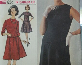 UNCUT Vintage 1960's MOD Era  Designer Fashion  Dress Detachable Collar Cuffs Flared Skirt Simplicity 6167  Sewing Pattern Size 14 Bust 34