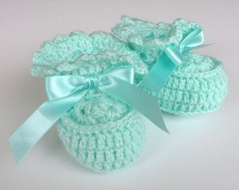 Crochet Ruffle Booties, 0-6 Baby Shoes, Green Infant Booties
