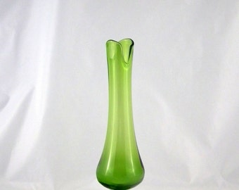L.E. Smith Glass Green #1911 Footed Tall Swung Vase - 16.5 inches tall - Vintage 1960s 1970s Glassware