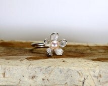 White pearl daisy ring , sterling silver daisy ring , white pearl ring , flower ring , Stacking pearl ring, June birthstone ring