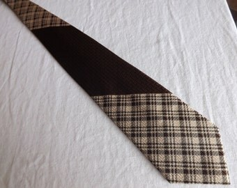 1960s Sears Mens Store brown polyester necktie