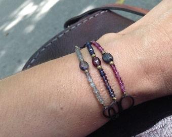 Adjustable bracelet of semi precious stones