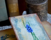 Muscari painting, grape hyacinth picture, shabby chic vintage floral painting, herbs botanical painting wooden board blue background
