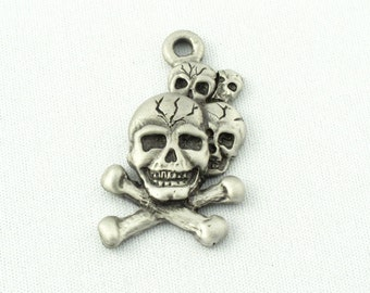 5 Skull and Bones Charms, Fine Pewter Charms by Accessoires Magiques