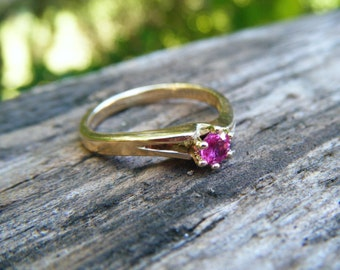 PINK SAPPHIRE ring, pink sapphire engagement ring, sapphire engagement ring, pink ruby ring, gold ring with pink sapphire, gift for her