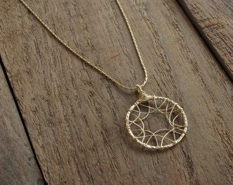 Dainty neckldae - Gold - circle - arches - dainty