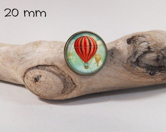 Red balloon vintage pin 20 mm diam. Glass dome on pin