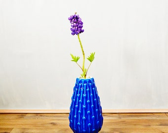 20 PERCENT OFF Code: 20FOR17 > 1960's Mid Century Modern Deruta Italy Majolica Electric Blue Vase