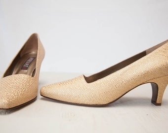Vintage 80s Sparkly Gold Leather Heels / Glittery Shoes / Made in Italy by Prevata / Size 8.5