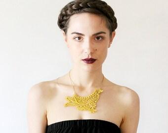 venise lace necklace // MAYLIS // bright yellow necklace / gold  necklace / unique necklace / romantic bohemian /  unique bridal necklace