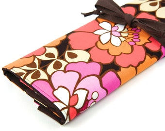 Large Knitting Needle Case - Stella Bloom - 30 brown pockets for all size needles or paint brushes