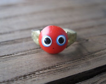 Little Big Eyes Ring - Red