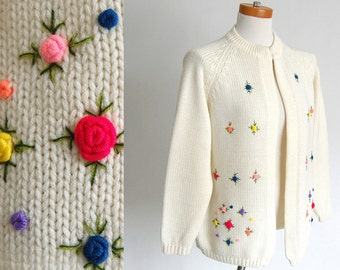 adorable Vintage Cardigan Sweater / cream slouchy sweater jacket / Miss Holly / fully fashioned chunky Knit Cardi / retro embroidered floral