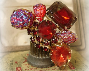 vintage red rhinestone brooch . large brooch assorted art glass and rhinestones in shades of red