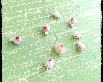 Snag Free Stitch Markers Medium Set of 8 -- White and Red Millefiori Glass -- M8 -- For up to size US 11 (8mm) Knitting Needles