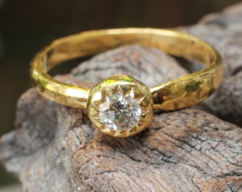 Stunning certified diamond engagement ring in 22k textured gold band 0.23ct