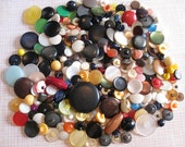 285 Mixed Shank Buttons Lot - destash mix of vintage & modern shank buttons in red, yellow, green, purple, blue, pink, white, black, brown