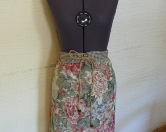 Flower Pillowcase Skirt, Unique Clothing, Recycled Fabrics, Drawstring Waist, Ruffle Edge, Flowered Skirt, Gingham,Wooden Beads,Misses Skirt