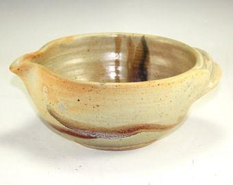 Stoneware Pottery Mixing or  Batter Bowl 4 cup volume