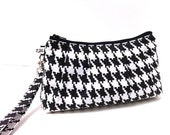 Clutch Purse Rectangle Wristlet - Houndstooth in Black and White