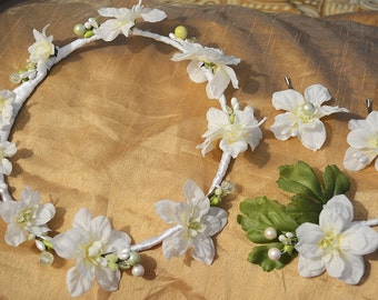 White Floral Bridal Crown, Rustic Flower Crown, Flower Boutonnière, Bridal Flower Hair Pin Set, Wedding Accessories, Bridal Headpiece
