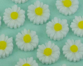 6 Small White Flower Daisy Cabochons Flat Back 11mm
