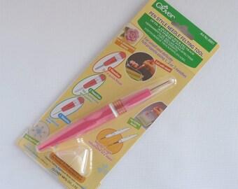 Clover needle felting pen tool