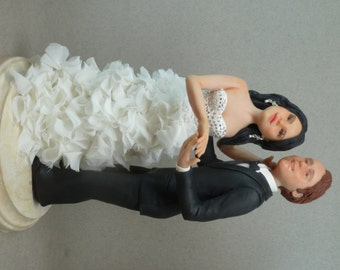 customized wedding topper with your looks