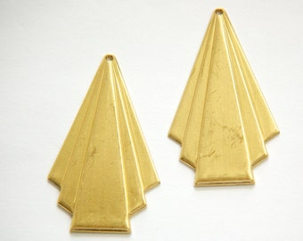 Raw Brass Deco Triangle Fan Pendant Drop Lg (4) mtl115D