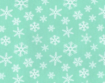 SNOWFLAKE MINT, Cotton/Lycra Jersey Knit Fabric, FQ 18 x 30 inches