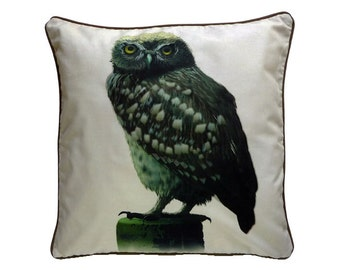 Cushion cover for throw pillow with bird - Little Owl - 16x16inch // 40x40cm