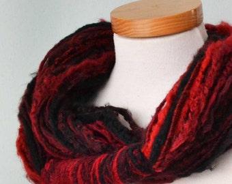 Infinity loop scarf. Reds  G660