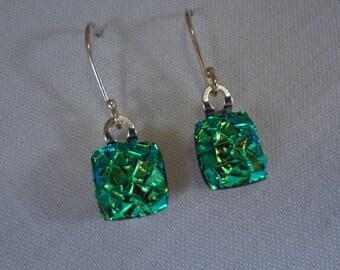 Green Crackle Glass Earrings (LVE98)