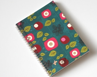 Large Coupon Organizer with 14 Pockets - Pre Printed Labels Included - Teal with Flowers