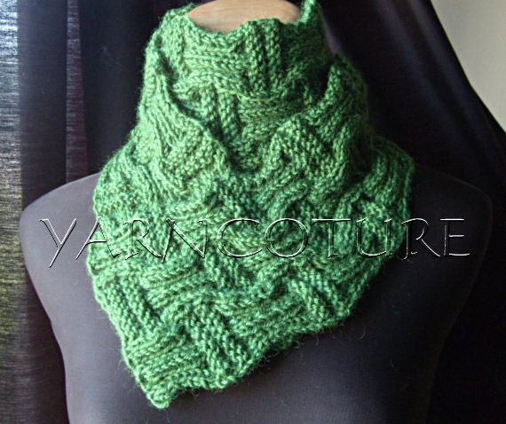 The Basketweave Knit Scarf UNISEX-Emerald Green